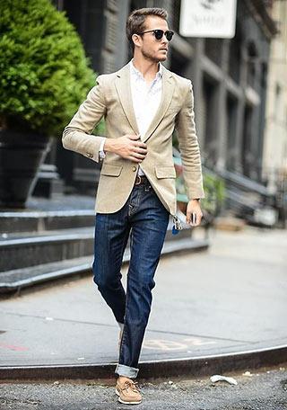 テーラードジャケット×白シャツ×デニム