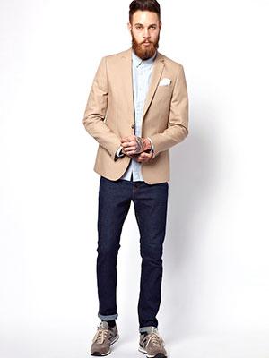ジャケット×ライトブルーシャツ×デニム×スニーカー