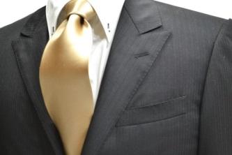 ゴールドのネクタイの画像