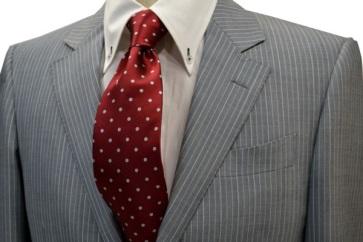 レッドのネクタイの画像