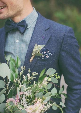 ブルーの蝶ネクタイの画像