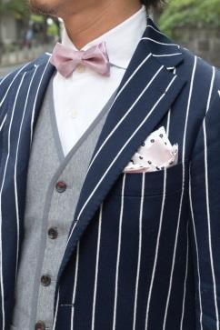 ピンクの蝶ネクタイの画像