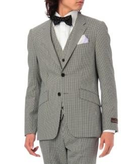 グレースーツの着用男性画像