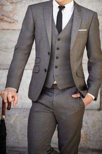 グレー スーツ コーデ