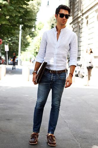 白シャツ×デニム