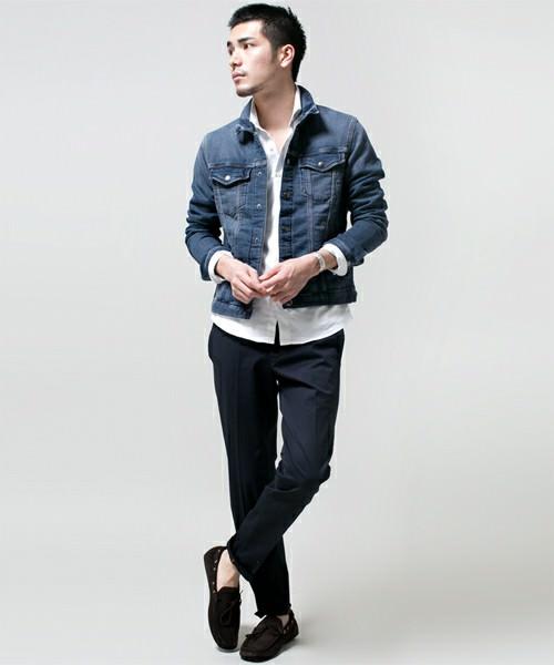 ホワイトシャツ×ブラックパンツ×ジーンズジャケット