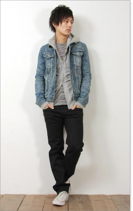 パーカー×ブラッパンツ×ジーンズジャケット