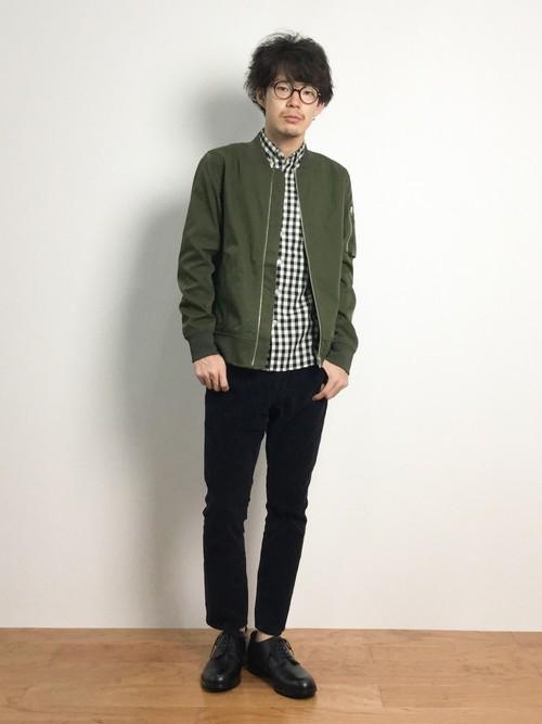 MA-1×チェックシャツ×ブラックスキニーパンツ