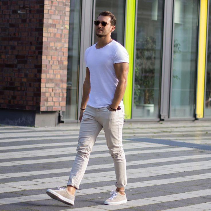 safe-fashionable-beige-pants-coordinate-10-12
