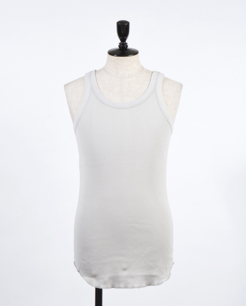mens-tanktop-wearing-3-3