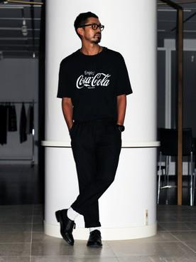 Tシャツ×レザーシューズ