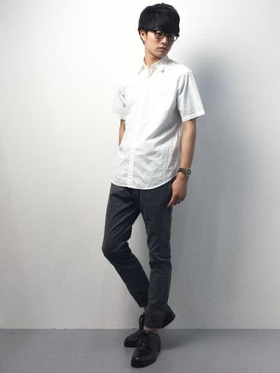 白シャツ×スラックス×ドレスシューズ
