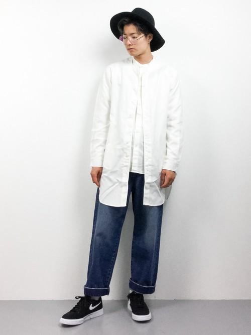 バンドカラーシャツ×ノーカラージャケット×デニム