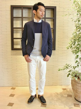 ジャケット×ホワイトパンツ