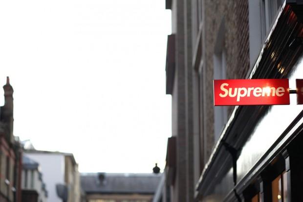 ストリートファッションの最前線、シュプリームの高画質な画像まとめ!