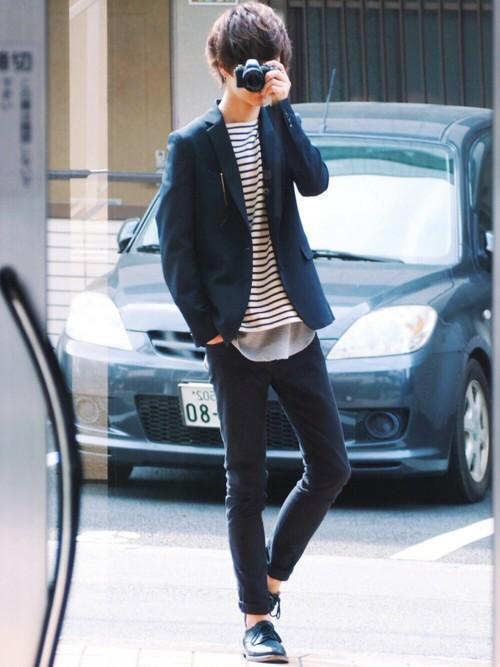 テーラードジャケット×ボーダーTシャツ×黒スキニーパンツ
