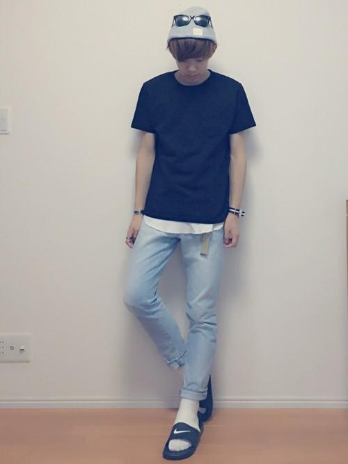 黒Tシャツ×白Tシャツ×デニム
