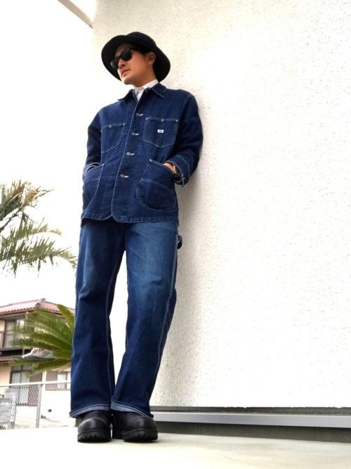 ブルー×白シャツ×ブルー
