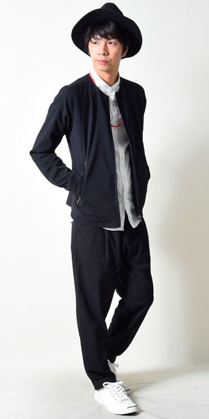 MA-1×白シャツ×黒ワイドパンツ