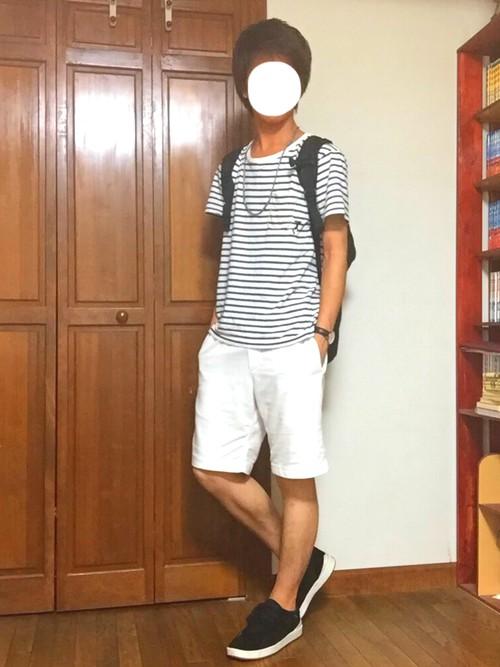 ボーダーポケットTシャツ×白ショーツ