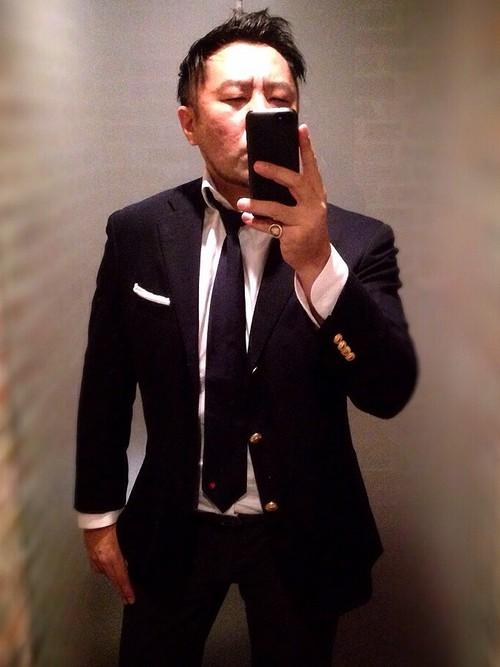 ネイビースーツ×白シャツ×ネイビーネクタイ
