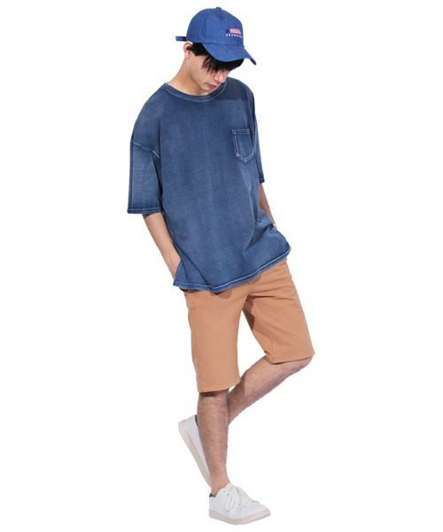 ビッグシルエットの半袖Tシャツ×ショーツ