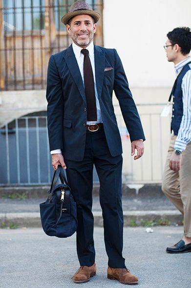 麦わら帽子×スーツスタイル