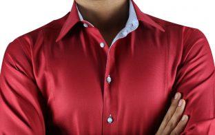 赤 シャツ