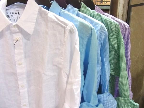 複数カラーのシャツ