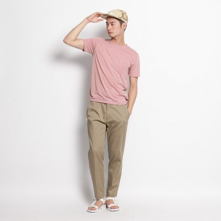 ピンク Tシャツ コーデ