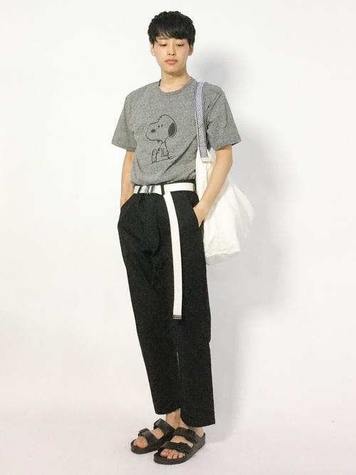スヌーピーTシャツ コーデ