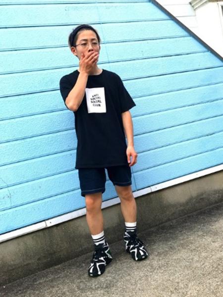 ANTI SOCIAL SOCIAL CLUB Tシャツ コーデ