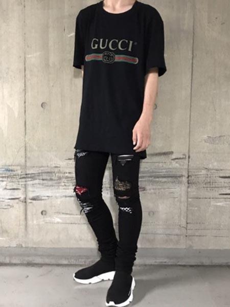 gucci Tシャツコーデ