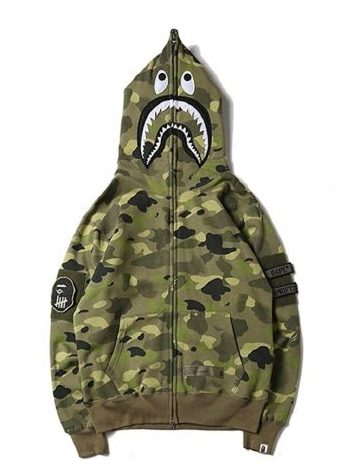 A BATHING APE ロゴパーカー