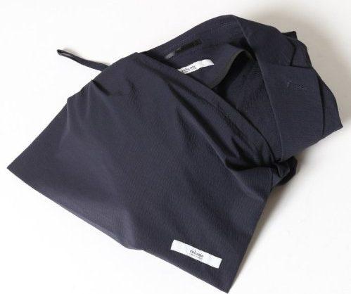 パッカブルスーツ