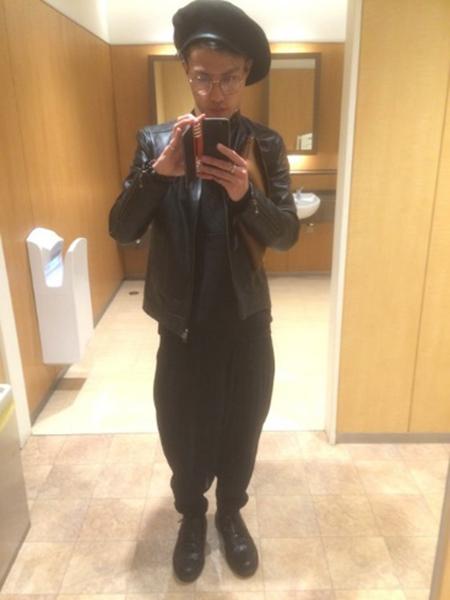 黒ライダース×黒T×黒パンツ
