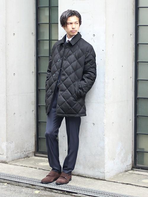ダウンジャケット スーツ コーデ