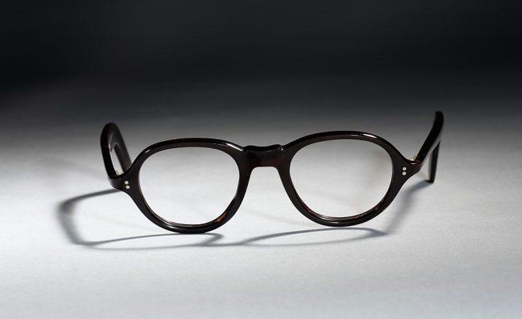 OLIVER GOLDSMITH メガネ