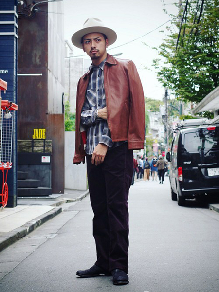 ライダース×青チェックシャツ×パープルパンツ