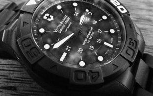 Victorinox 腕時計