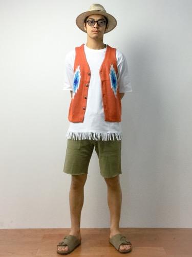 ベスト×フリンジTシャツ×ショートパンツ