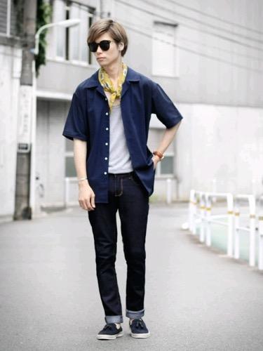 ネイビーシャツ×タンクトップ×リジッドデニム