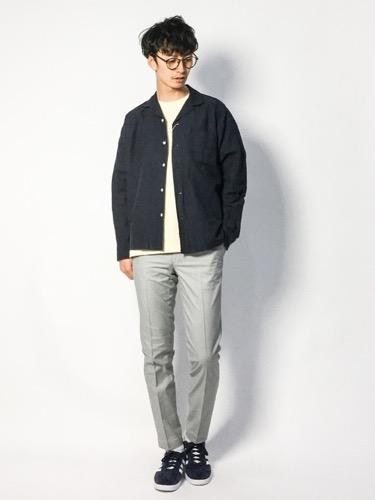 綿麻シャツ×Tシャツ×スラックス