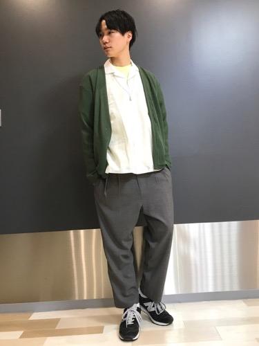綿麻シャツ×カーディガン×プリーツパンツ