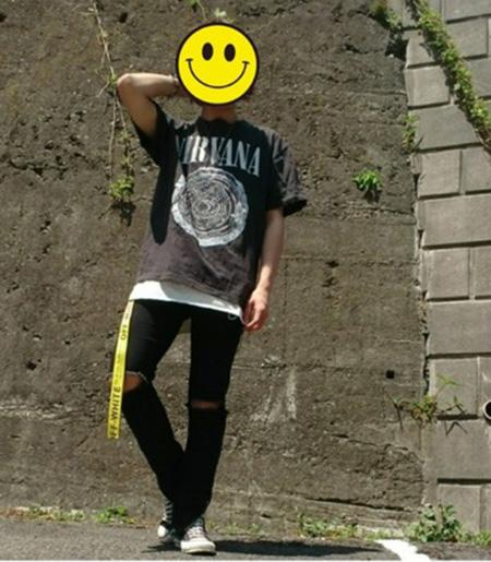 ベルト×バンドTシャツ×クラッシュデニム