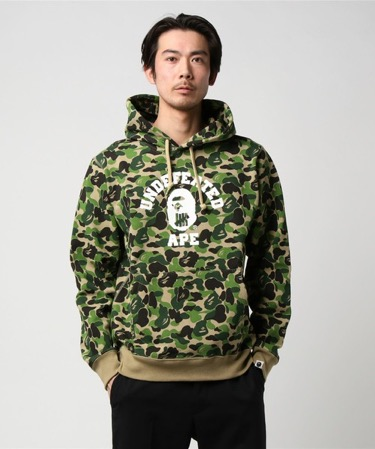 BAPE X UNDEFEATED ABC COLLEGE PULLOVER HOODIE