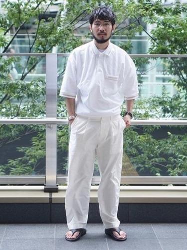 白ポロシャツ コーデ