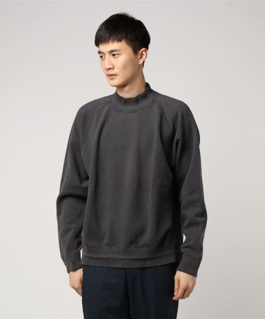 KURO/sulfer mock-neck sweat