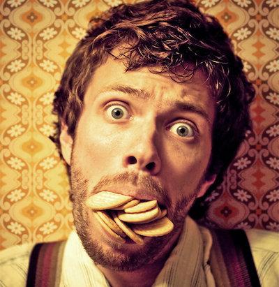 口の中が見える食べ方