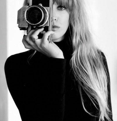 自撮り女性